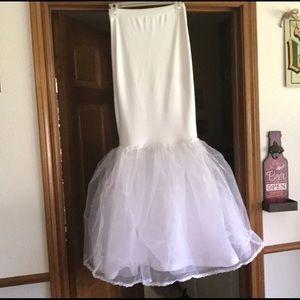 David's Bridal | Trumpet / Mermaid Slip | XS